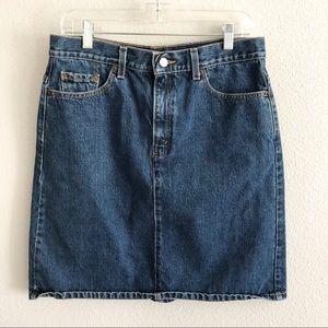 Women's Levi jean skirt size 10